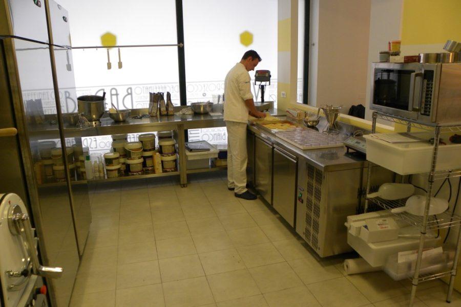 Arredamento panetteria Monza Brianza (10)
