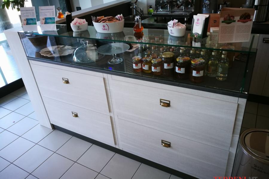 arredamento negozi milano (6)